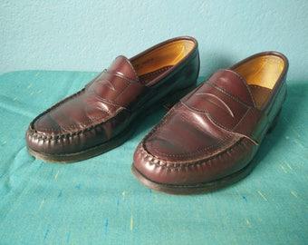 bda46756519 Vintage men s Sebago handsew penny loafers burgundy leather shoes mens size  8 1 2