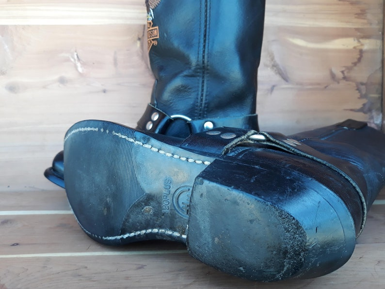 Vintage original Harley Davidson motorcycle leather boots harness with eagle embroidery square toe size 6.5 made in Usa.