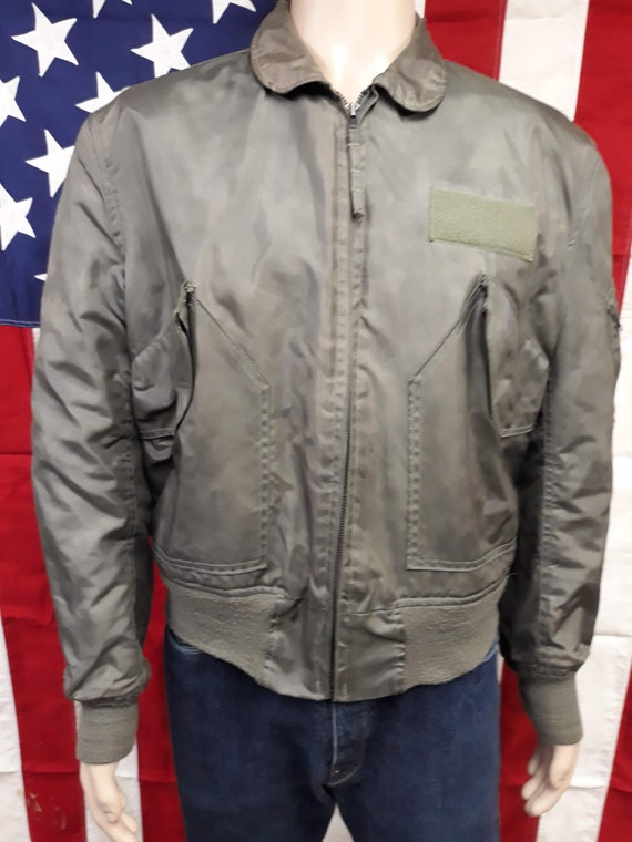 Vintage 80's men's U.S. Air Force summer flight jacket type CWU 45P size large (42 44) made in Usa.