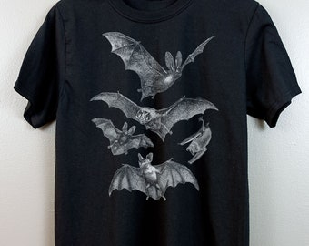 Nu goth shirt Gothic fashion Pastel goth Dark grunge Vampire Bat Halloween Spooky Tumblr aesthetic Lowbrow Emo Vintage Retro Animal Graphic