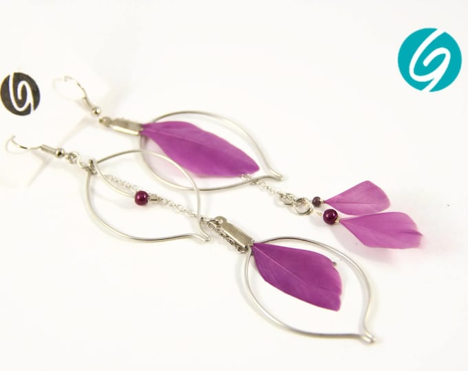 Long pendant asymmetric earring - purple feathers and chain - elegant, chic, light - Made in Quebec - handmade by Créations GEBO