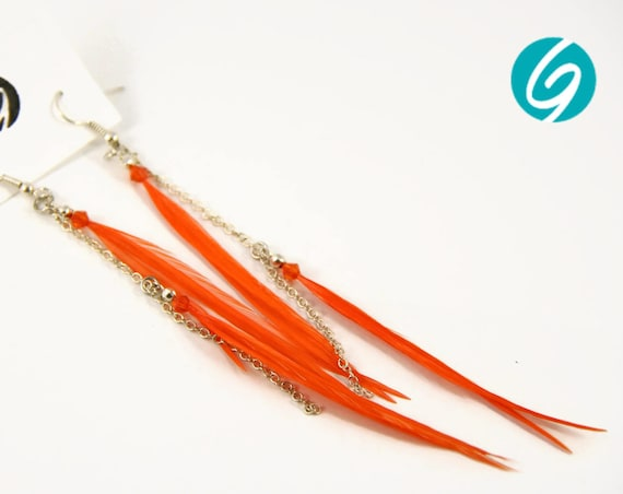 Pendant asymmetric earring - long earring - orange feathers on chain - elegant, chic, light - Made in Quebec - handmade by Créations GEBO