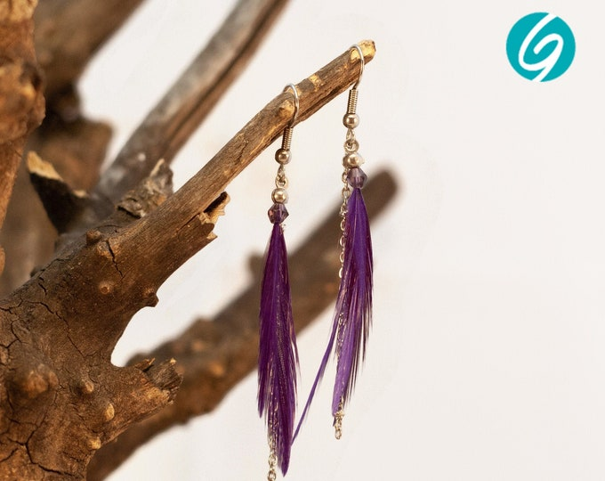 Boucles d'oreilles de plumes mauves/violettes pendantes asymétriques