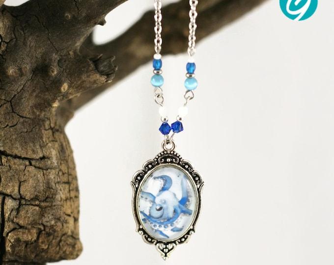 Collier bleu - boucles d'oreilles bleues - pieuvre - sur chaîne - illustration Chrystelle Lapratte, cabochon verre, Québec, Créations GEBO