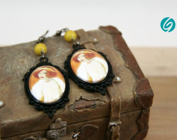 Pendant earrings cabaret - black and yellow - Woman Broadway - cabochon - original drawing Djief - Made in Quebec - handmade Créations GEBO