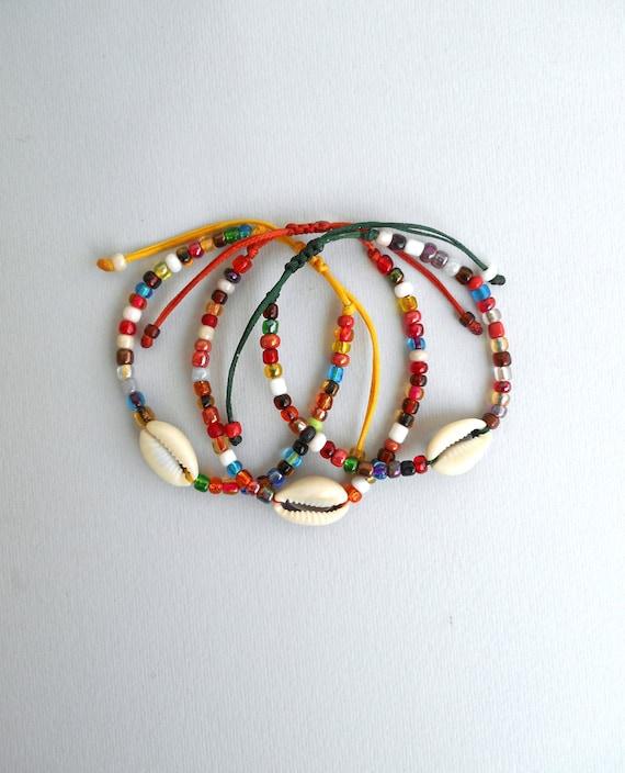 Beach wedding gift Cowry seashell charm Cowrie bracelet Bridesmaid gift Cowrie shell bracelet Surfer girl gift Pastel beads bracelet