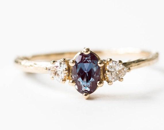 Alexandrite three stone twig ring, trillion oval ring, alexandrite moissanite engagement ring, twig engagement ring, color change ring, oore
