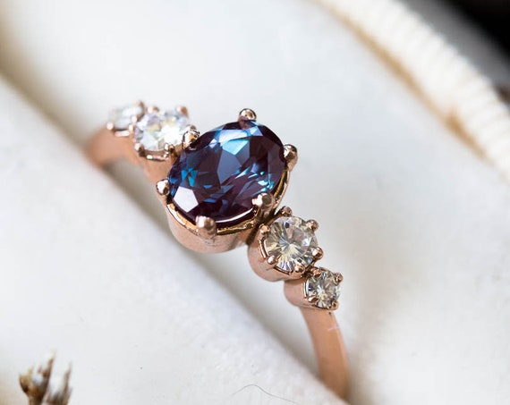 Oval alexandrite cluster engagement ring, oval round stone cluster ring, alternative engagement ring, alexandrite oval ring, gold oval ring