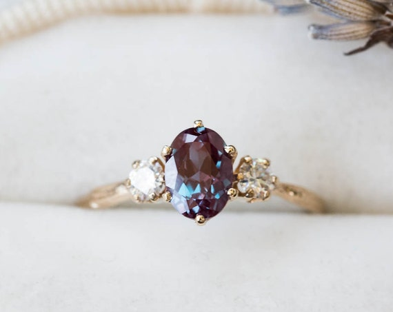 Oval Alexandrite 14k gold twig engagement ring, alexandrite engagement ring, Alternative engagement ring, moissanite twig three stone ring