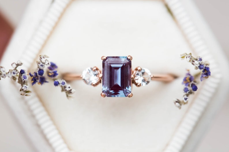 7d9d8e436b634 Alexandrite sapphire three stone engagement ring, emerald cut engagement  ring, three stone ring, alexandrite ring, alternative engagement