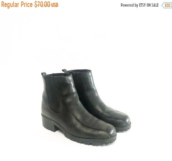 HELLO 2021 SALE Vintage 90s Black Leather Slip On