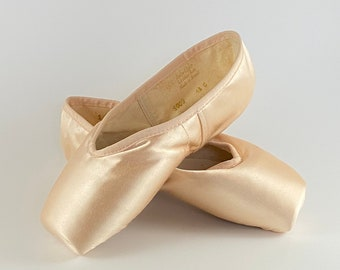 Ballet Pointe Shoes for Art and Craft ONLY!! - Pair