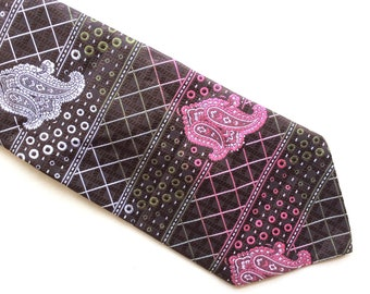 Vintage traditional Tootal necktie, polyester, Made in Great Britain.