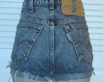 Vintage Levis 888 Blue Denim High Waist Cut Off Jean Shorts~13~