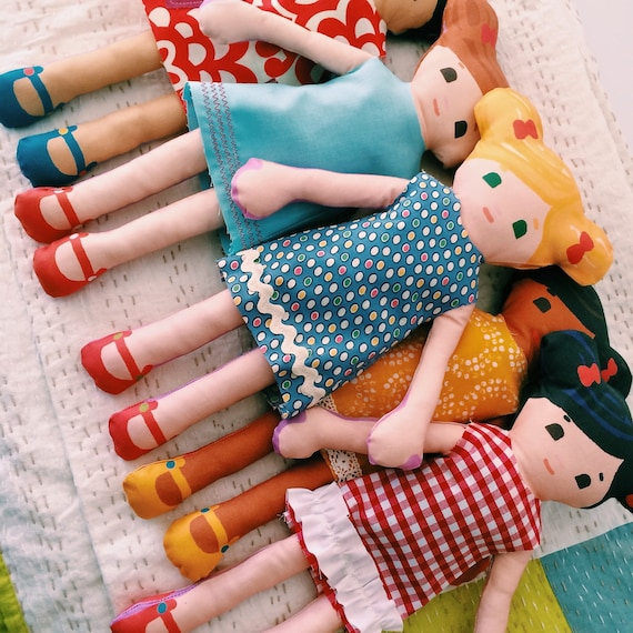 Learn to Sew Kit with Doll and 8 Dresses