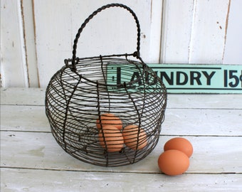 Kitchen Craft Farmhouse Style Chicken Shaped Metal Wire Egg Basket Vegetables Fruits Collection Basket