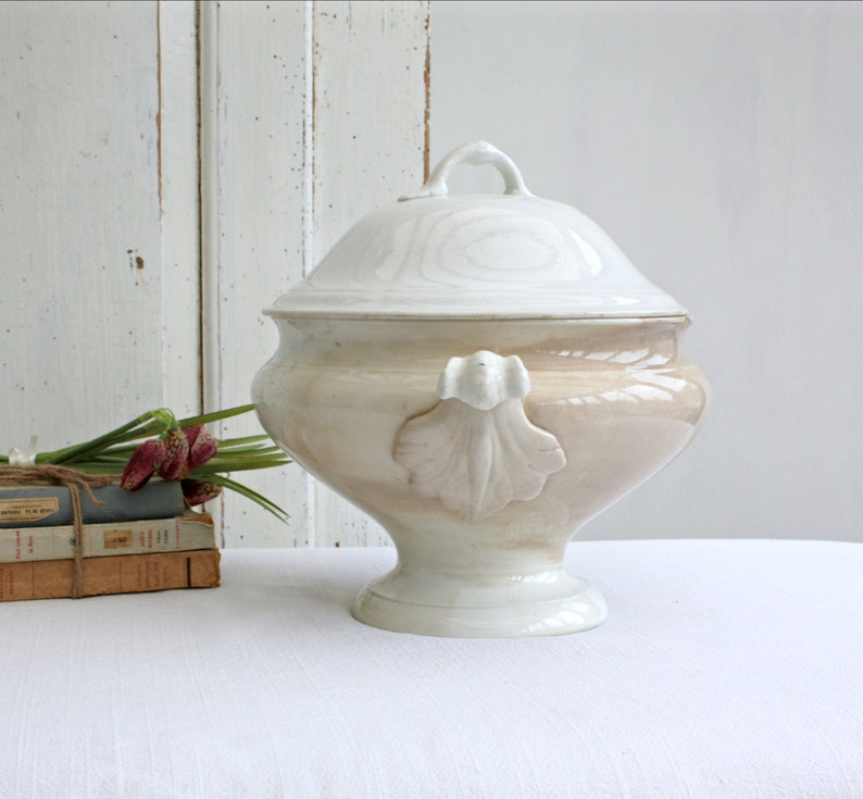Large French old white ironstone tureen French Nordic decor  image 0