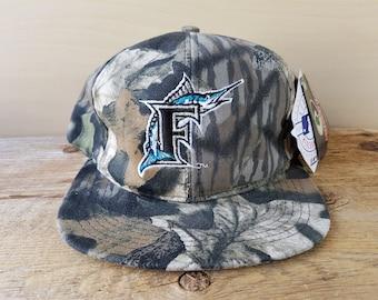648dd8e00a8 Florida MARLINS Mossy Oak Vintage 90s Snapback Hat Official Licensed MLB  Baseball Camouflage One Size Adjustable Outdoor Cap Deadstock