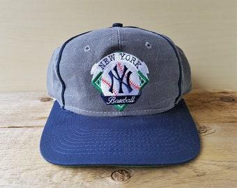 1841a7f4982 Vintage 90s New York YANKEES 6 Panel Snapback Hat The Game Official MLB  Major League Baseball Deadstock Cap 2 Tone Gray   Navy Ballcap