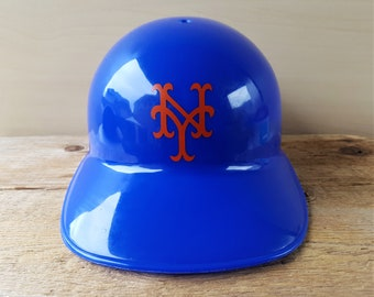 33828f6b5e32c NEW YORK METS Vintage 70s Batting Helmet Souvenir Hat Sports Products Corp  Laich Industries 1970 Baseball Cap Rare Larry Walker Collection