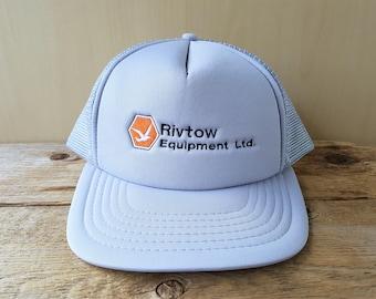 RIVTOW Equipment Ltd. Original Promo Vintage 80s Trucker Hat Gray Mesh  Snapback Embroidered Baseball Cap Marine Industrial Retro Ballcap 02bf560cc1a0