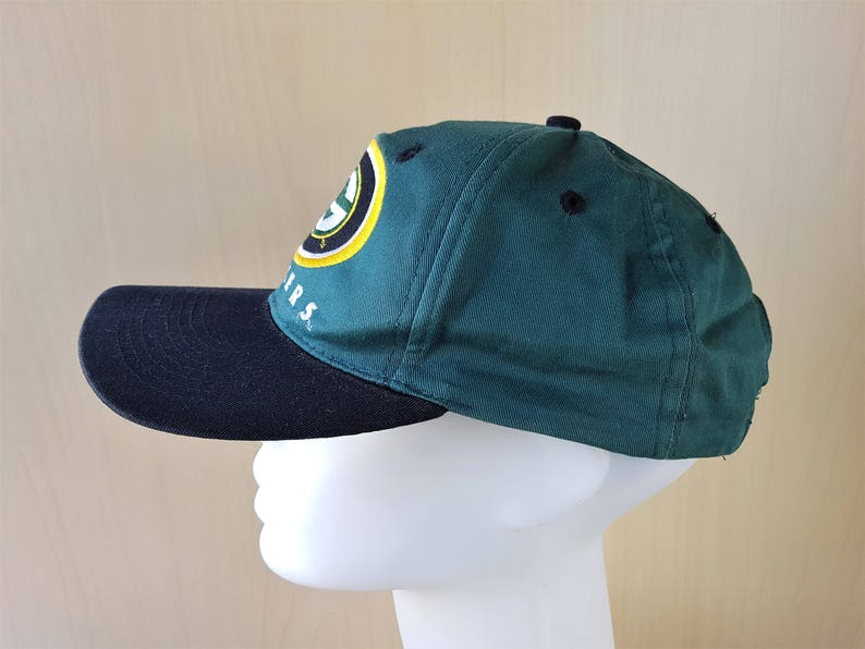 8762d6be0fe Green Bay PACKERS Distressed Vintage 90s Drew Pearson Snapback