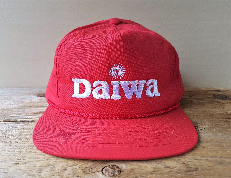 edc8e806ec669 Vintage DAIWA Fishing Rods   Reels Snapback Hat Promo Red Rope