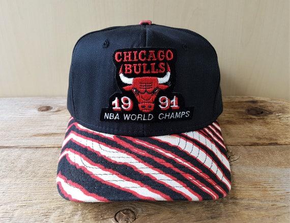 8c7a025f5af Chicago BULLS Vintage 1991 NBA World Champs Snapback Hat ZUbAZ