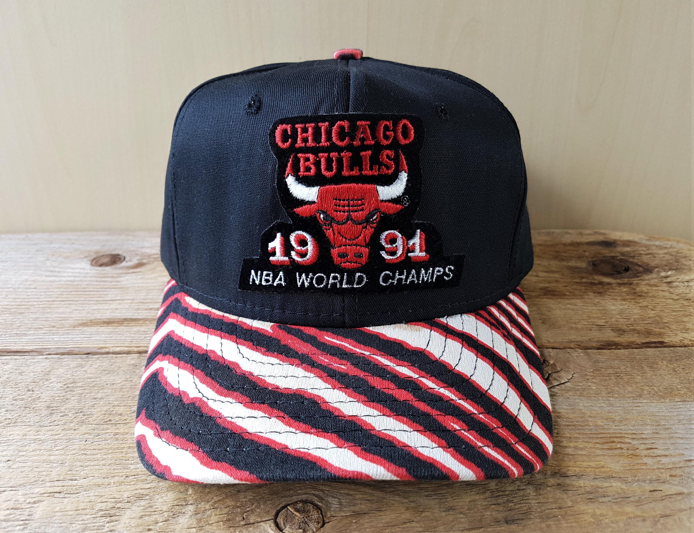 5fd3dd01d87 Chicago BULLS Vintage 1991 NBA World Champs Snapback Hat ZUbAZ