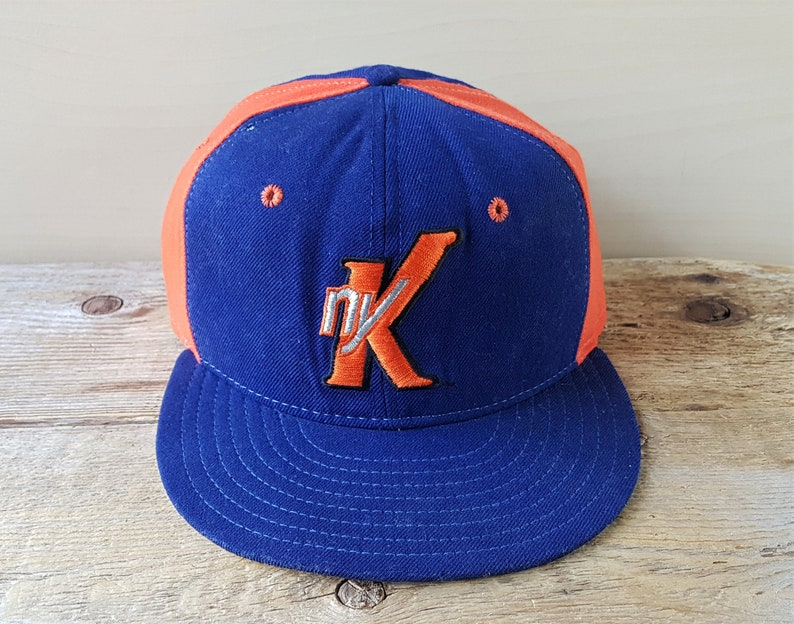 d2131fd256ab02 Vintage New York KNICKS Original New Era Pro Model 5950 Fitted