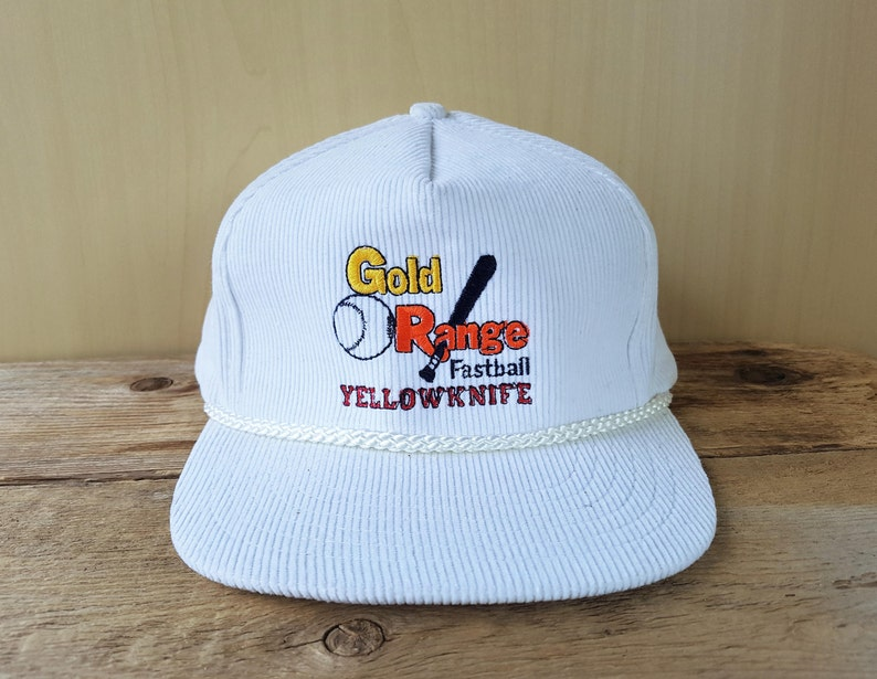 fd8062df29e GOLD RANGE FASTBALL Yellowknife Vintage 80s White Corduroy Hat