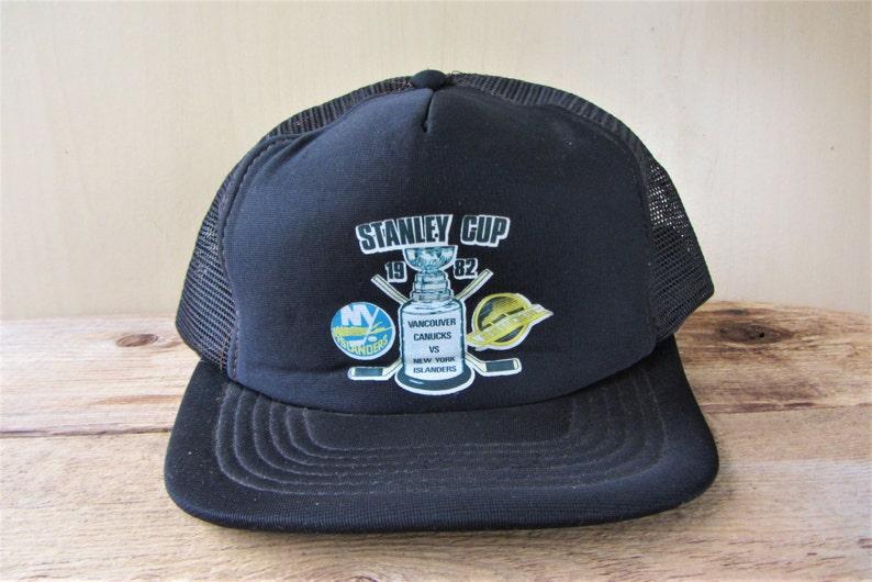 13bbeaf212db9 Vintage STANLEY CUP 1982 Rare Trucker Hat Vancouver Canucks vs