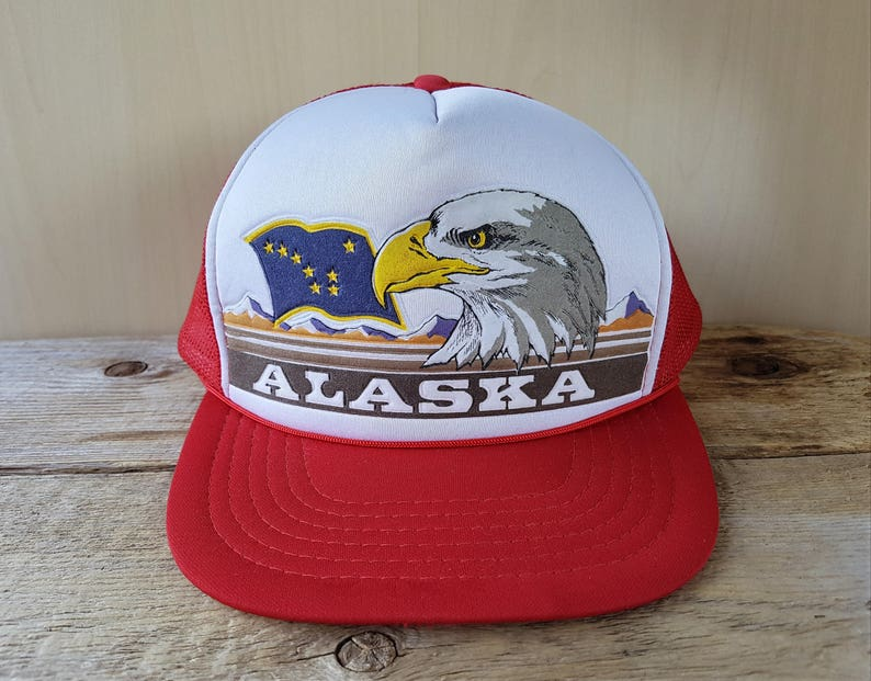 014a0536051 ALASKA Flag   Eagle Vintage 80s Red Mesh Trucker Snapback Hat
