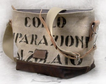 Beige Shoulder bag Canvas Shoulder Bag Shopper Recycled Postbag Leather Jacket Upcycled In-House Production by peace4you / 2072