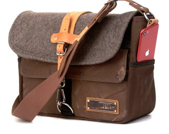 Messenger Recycled Bag Swiss Army Blanket OOK Upcycled In-House Production by peace4you / 2090