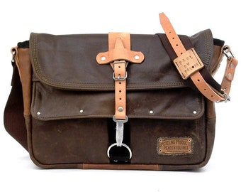Brown Courier Bag Messenger Bag Recycled Leather Jacket Unisex Upcycled In-House Production by peace4you / 1942