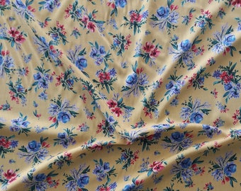 JOHN LOUDEN LILAC UNICORN FLOWERS FABRIC 100/% COTTON 112CM WIDE PER HALF METRE