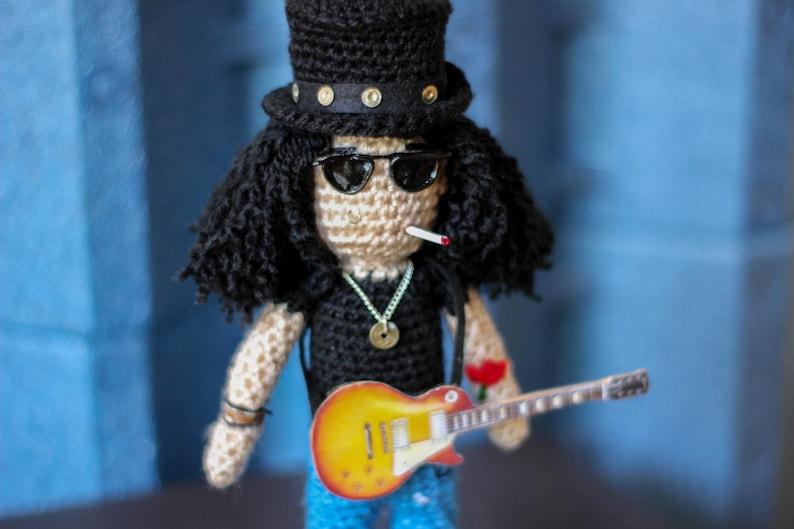Slash - Guns n roses - gibson les paul - guitarist - axl rose - ozzy  osbourne - Michael Jackson - alice cooper - guitarist gift - rock band