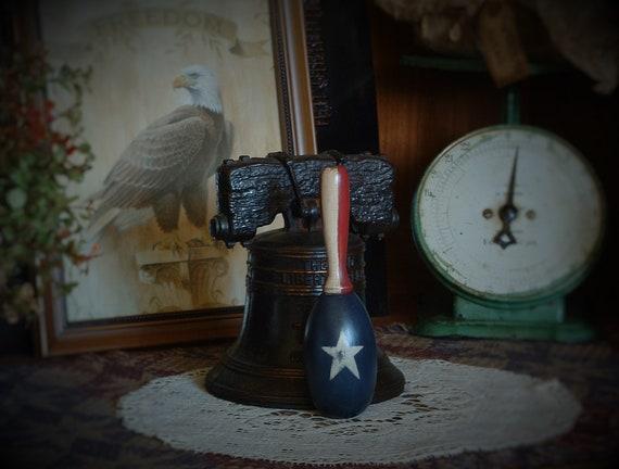 White /& Blue Grungy Primitive Socks Patriotic,Americana Red Stars /& Stripes