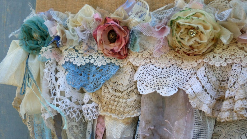 Vintage Lace Valance Shade Burlap Valance Made to Order Burlap and Lace Shabby chic curtain Gypsy Kitchen Curtain French country rustic