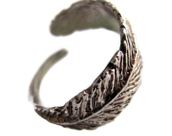 Feather sterling silver ring.