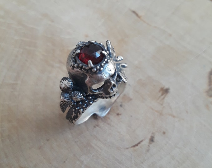 Featured listing image: The Persephone Ring with Rose Cut Garnet - Made to order in your size!