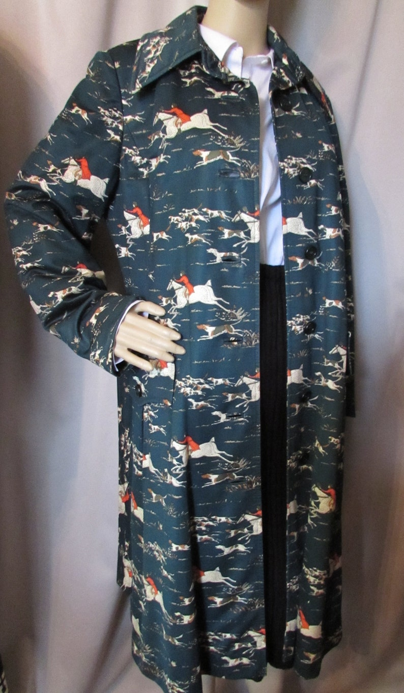 Trench Coat Hunt Theme Young Traditions 1970 Era Galloping Horses Chasing Dogs Riding Hunters Pine Green Brown Orange Vintage Fashions