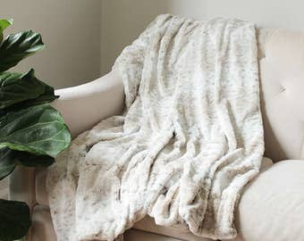 Faux Fur Blanket | Ivory Bed Throw | Decorative Throw | Snow Leopard Fur Blanket {Faux Fur Throw}