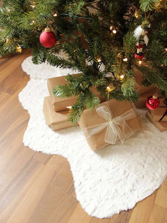 Personalized Christmas tree skirtFamily monogram tree skirt Under the christmas tree Holiday gifts Christmas presents Christmas