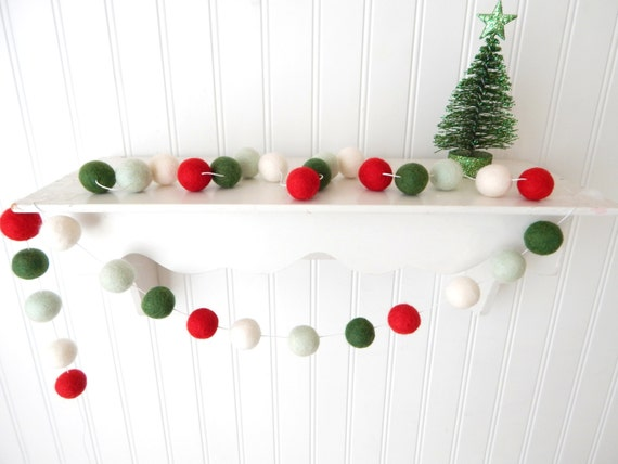 Christmas Ball Garland.Christmas Garland Christmas Felt Ball Garland Pom Pom Garland Christmas Decor Christmas Tree Garland Mantel Decor Holiday Decor Vintage
