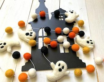 Ghost Garland, Halloween Garland, Black and Orange Fall Decor, Fall Pom Pom Garland, Halloween Decor, Halloween Felt Ball Garland