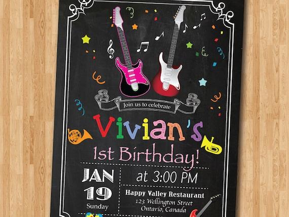Invitación De Cumpleaños De Música Invitación Cumpleaños Estrellas Rock Chica Invitan A Fiesta De Cumpleaños Guitarra Rosa Y Negro Pizarra