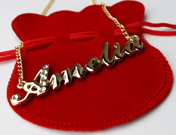 Amelia-personalizado en forma de corazón Collar de nombre 18ct Chapado en Oro-día de San Valentín