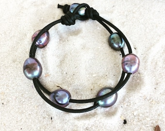 Black Pearl and Leather Bracelet #85